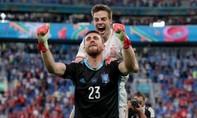 Thủ môn Tây Ban Nha muốn nhường danh hiệu hay nhất trận cho đối thủ