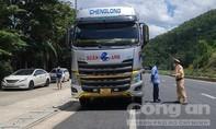 Nhiều xe tải ben chở quá khổ, lưu thông liên tỉnh ở miền Trung