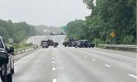 Cảnh sát Mỹ đối đầu với nhóm 'vũ trang hạng nặng' suốt 9 giờ