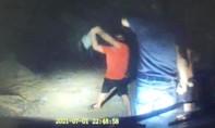 Điều tra vụ phóng viên tố bị giám đốc DN dùng cuốc tấn công