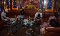 Hơn chục nam nữ sử dụng ma túy trong quán karaoke Hoàng Tử