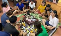 Bắt vụ đánh bạc có nhiều cán bộ tham gia