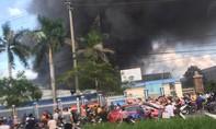 Cháy lớn trong KCN, hàng trăm công nhân bỏ chạy thoát khỏi 'biển lửa'