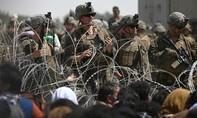 Lo IS tấn công, Mỹ cảnh báo công dân tránh xa sân bay Kabul