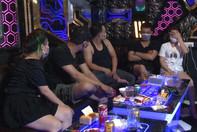Phạt 20 triệu đồng chủ quán karaoke để khách mở tiệc ma túy