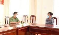 Phạt người tung tin 'chính quyền lấy hết hàng cứu trợ đem về cho người thân'