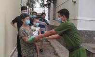 Anh Cảnh sát khu vực trẻ tuổi luôn gần gũi, giúp đỡ nhân dân