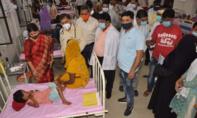 Hàng chục trẻ em Ấn Độ chết bất thường vì đợt sốt lạ