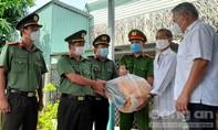 Chương trình 'Công an TPHCM - Hạt gạo nghĩa tình' về với bà con huyện Cần Giờ