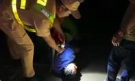 Truy đuổi 100km bắt tài xế uống rượu, lái xe bỏ chạy khỏi khu cách ly