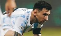 Messi suýt gãy chân trong trận Argentina thắng 3-1