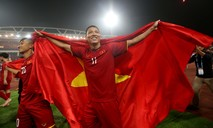 Giây phút Anh Đức và đồng đội mừng bàn thắng đưa Việt Nam đến vô địch