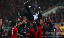 Khó quên những hình ảnh HLV Park Hang Seo trong trận chung kết