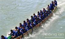 Sôi động lễ hội đua thuyền đầu năm mới trên sông Cà Ty