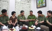 Bộ trưởng Tô Lâm đến thăm và tặng quà gia đình thương binh, liệt sĩ