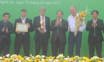 Tập đoàn TH đón nhận cúp vàng trang trại bò sữa