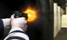 Hai nhóm thanh niên đuổi bắn nhau trên phố, một người tử vong