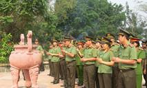 Công an TP.HCM: Dâng hương, hoa tri ân anh hùng liệt sĩ