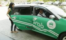 """Taxi công nghệ có cần thiết phải """"đeo mào""""?"""