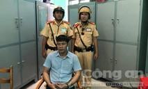 CSGT đuổi bắt tên trộm lái xế hộp ở Sài Gòn