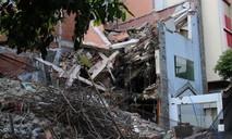 Sập nhà đang tháo dỡ ở Sài Gòn, 3 người thương vong
