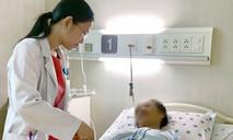 Người phụ nữ ói ra máu khi tự mua thuốc trị bệnh