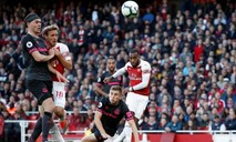 Hạ Everton, Arsenal kéo dài mạch chiến thắng