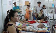 Trẻ em, người lớn, bà bầu ồ ạt nhập viện ở Sài Gòn vì bệnh sởi