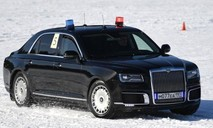 Clip tài xế siêu xe chở Tổng thống Nga trổ tài drift bánh trên tuyết
