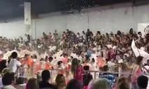 Clip sập khán đài tại lễ hội, 34 người bị thương