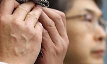 Hai học sinh bồi thường gần 350.000 USD vì khiến bạn học tự tử