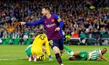 Messi lập hat-trick, Barca giữ chắc ngôi đầu bảng