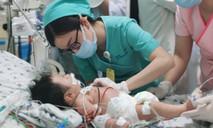 Bé 2 tháng tuổi nhập viện với làn da xanh tím vì ngộ độc