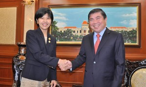 Phát triển mối quan hệ giữa hai nước Việt Nam - Canada trên nền tảng vững chắc