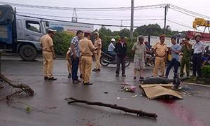 Nam thanh niên tông vào xe cẩu đóng cừ bê tông tử vong