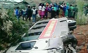 Xe chở tân binh nhập ngũ gặp nạn, một người bị thương