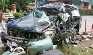 Xe chở tổ công tác Công an TP.HCM gặp nạn, 5 người thương vong