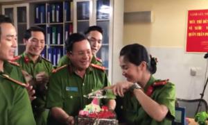 Người yêu của Johnny Trí Nguyễn bất ngờ được đoàn làm phim tổ chức sinh nhật