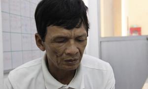 Vừa mất con trai lớn, người cha chết lặng khi con trai út đang thoi thóp trên giường bệnh