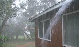 Lạ lùng chuyện mưa chỉ rơi vào đúng một căn nhà