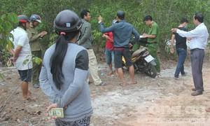 Thanh niên chết trong tư thế treo cổ nơi cành cây bị gãy
