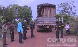 Giám đốc Công an tỉnh Đắk Lắk trực tiếp đi bắt gỗ lậu trong đêm