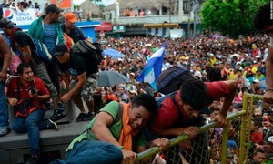 Đoàn caravan người di cư Honduras tiến dần đến biên giới Mỹ