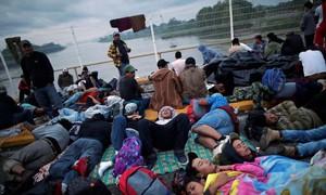 Đoàn người di cư 'đông như kiến' tìm đường 'tiến' vào Mỹ