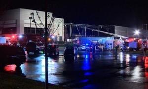 Hai người chết sau khi trung tâm mua sắm Amazon bị sập