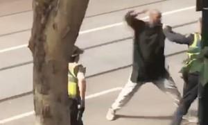 Cảnh sát Úc tiêu diệt kẻ khủng bố trên đường phố Melbourne
