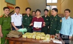 Bắt vụ vận chuyển 15kg ma túy 'đá' từ nước ngoài vào Việt Nam