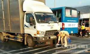 Băng qua đường, thanh niên bị xe tải tông thiệt mạng
