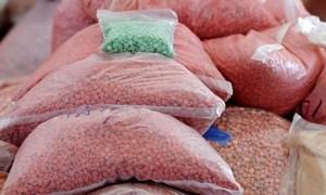 Bắt lô ma túy chuyển phát nhanh lớn nhất từ trước đến nay
