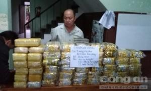 Bắt 40kg ma túy đá, 120.000 viên thuốc lắc từ Tam Giác Vàng